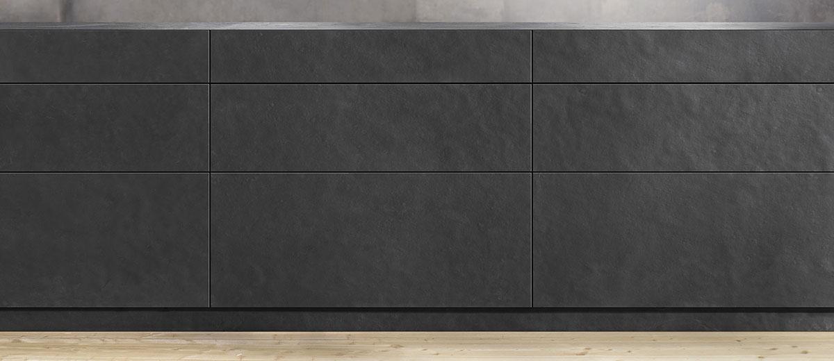 LEGABROX: Dans la cuisine, dans le salon, la salle de bains ou le bureau : les tiroirs et les systèmes coulissants s'affirment dans chaque pièce, car ils proposent une visibilité parfaite du contenu ainsi qu'un accès ergonomique. Cuisine Beaujoly à Ste-Thérèse, designer-cuisiniste.